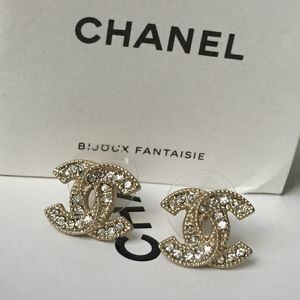 Chanel Authentic Stud Earrings with box and pouch